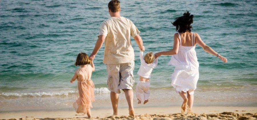 Обзор стран, куда лучше эмигрировать с детьми