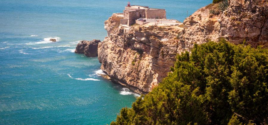 Поближе к океану, приятному климату и хорошему футболу – секреты иммиграции в Португалию